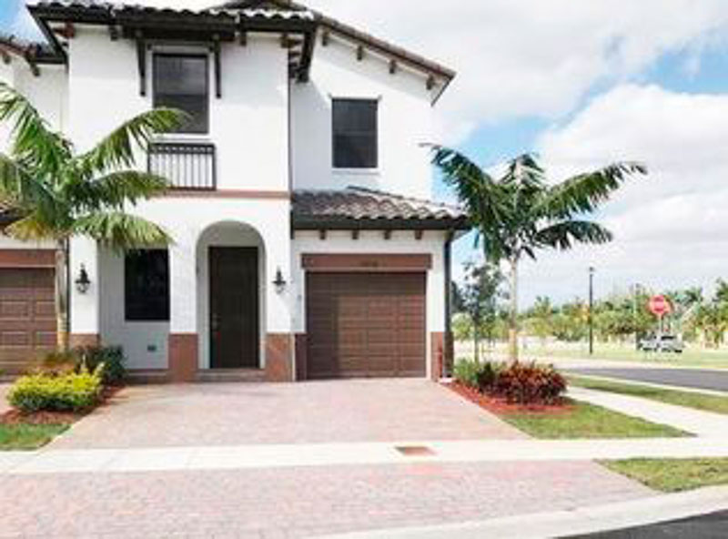 8878 NW 103rd Ave, Doral, FL 33178