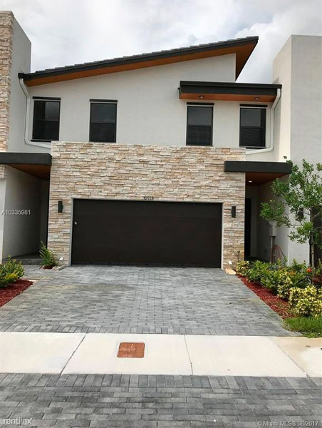 10559 NW 78th Ter Doral, FL 33178